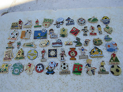 Lot De 50 Pin's Football
