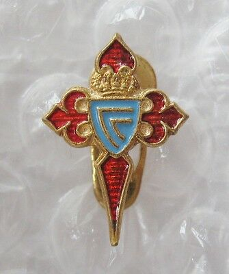 CELTA VIGO Spain - Superb Vintage Buttonhole Enamel Football Pin Badge