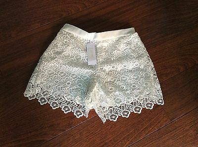 Brand New With Tags Ladies Fab White  Lace Shorts Size Medium