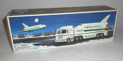 VINTAGE Hess 1999 Truck and Space Shuttle with Satellite MINT IN ORIGINAL BOX