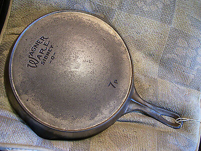 #7P, Wagner Ware Sidney -O-.Cast Iron Skillet, Smoke Ring, Chrome, Cleaned