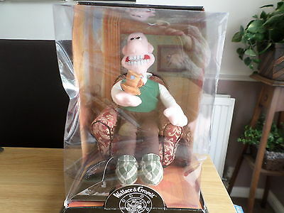 Wallace Arm Chair Collectable Limited Edition Wallace & Gromit
