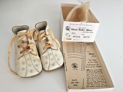 VTG Mrs. Day's Ideal Baby Shoes Size 2 White Style 156 Original Box  1960s