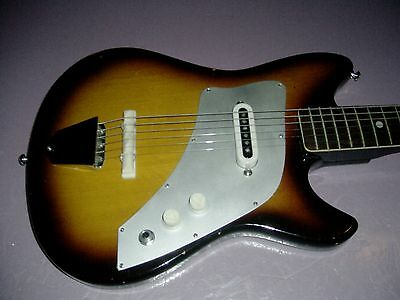 KENT ® (by Guyatone ®) model 540 POLARIS I electric guitar, SUNBURST - ca 1960's