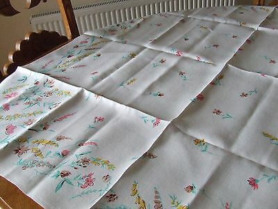 Vintage Pretty Printed Linen Table Cloth.