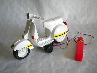 Vintage Ellegi Piaggio Vespa 200 Battery operated 1:6 scale plastic italy