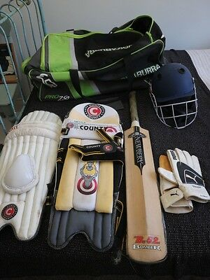 Large bag of cricket kit