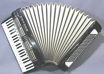 Hohner Akkordeon Pacific IV S mit Koffer