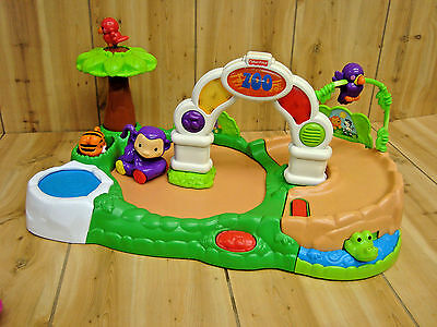 Fisher Price AMAZING ANIMALS SPINNING MUSICAL ZOO ***Read condition Notes***