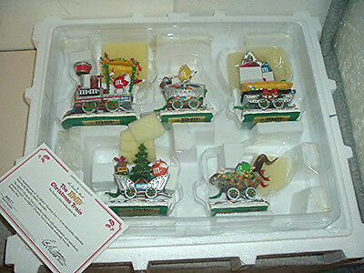 2002 THE DANBURY MINT M & M's 5 PIECE CHRISTMAS TRAIN