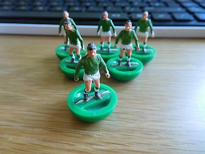 6 X Subbuteo Rugby Players   Ireland Team