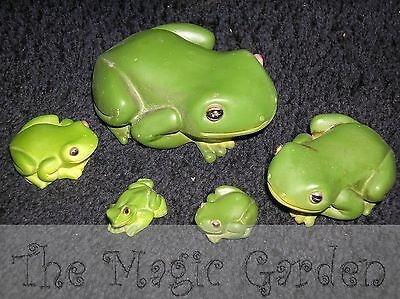Cute frog family of 5 cement plaster garden ornaments latex moulds molds