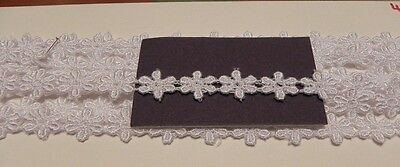 Card of Beautiful New Guipure Lace - White Daisies 3