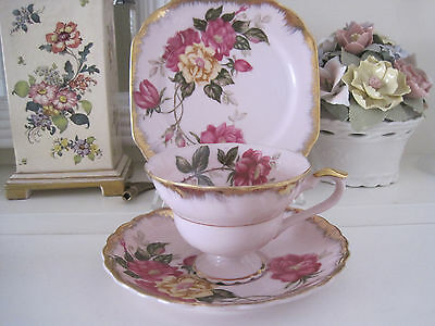 Pretty Vintage Japanese Pink Trio With Roses And Gilt