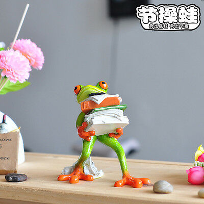 Creative Frog Figurines--Resin Frogs Moving Books Desk Decor Sculpture 026