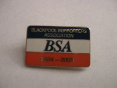 Rare Old 2004-05 Blackpool Football Supporters Club Enamel Brooch Pin Badge