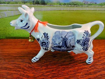 Lot of 4 ( ALL DIFFRENT) BEAUTIFUL COW CREAMERS !!! Take a look!!!!