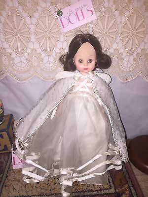 """Vintage 14"""" Madame Alexander Snow White doll dressed in all white"""