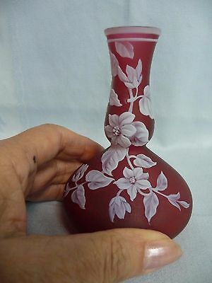"Beautiful Antique 4-1/4"" Thomas Webb & Sons Signed Cameo Art Glass Vase, Red"