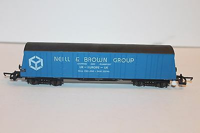 OO Scale Lima 305659A2  Bogie Pallet Wagon Neill & Brown Group Boxcar