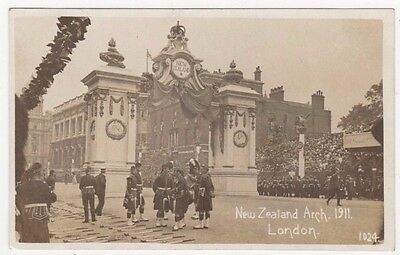 London, New Zealand Arch 1911 Coronation RP Postcard B749