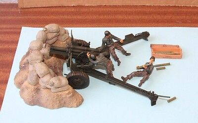 FORCES OF VALOR - 81013 US M101 105MM HOWITZER AND CREW (FRANCE 1944) 1:32 scale