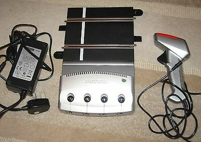 Scalextric New Digital 4 Car Powerbase + Used Digital C7002 Hand Controller