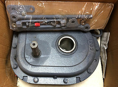 NOS Browning Shaft Mount Speed Reducer 203SMT15 with Accessories Ratio 14.0749