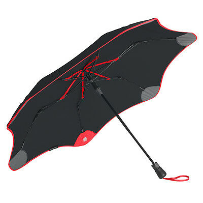 The World's First Traceable Umbrella - Blunt XS Metro + Tile - Black with Red