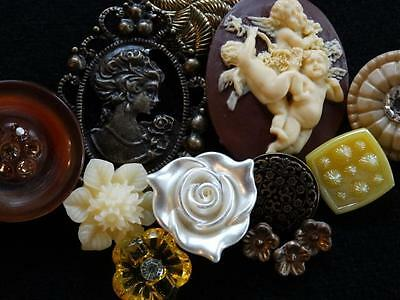 BEAUTIFUL LOT VINTAGE & NEW BUTTONS Glass Cameo Rhinestone Metal Flower +