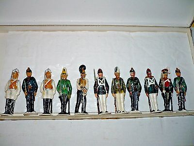 LOT 11 Vintage German plastic Gardes du Corps figurine Prussian officers soldier