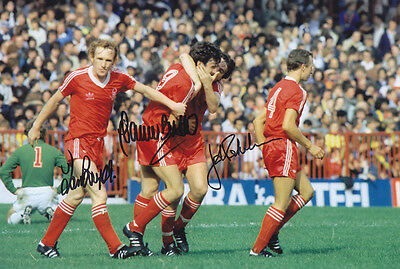 • HAND SIGNED 12x8 PHOTO NOTTINGHAM FOREST 1979 BIRTLES BOWYER ROBBO