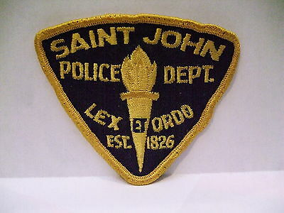 police patch  SAINT JOHN POLICE NEW BRUNSWICK CANADA SMALL OLD STYLE GOLD