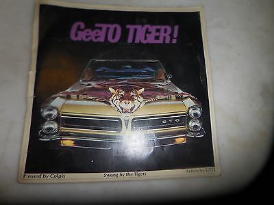 VINTAGE PONTIAC GTO 1960s DEALER GIVE AWAY RECORD ADVERTISING SLEEVE MANUAL BOOK