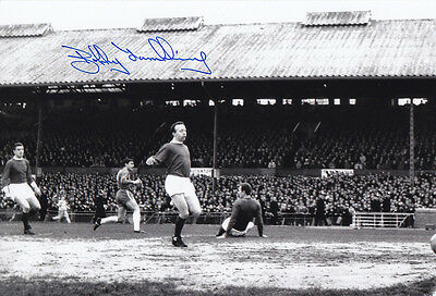 • HAND SIGNED 12x8 PHOTO CHELSEA 1966 BOBBY TAMBLING
