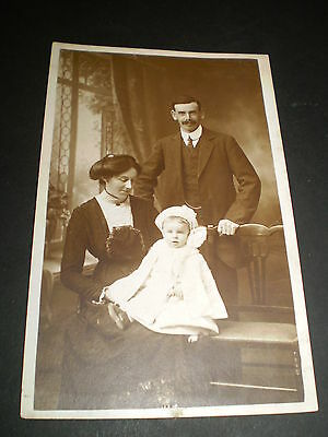 SOCIAL HISTORY couple with baby fashion mold studio photo rp postcard