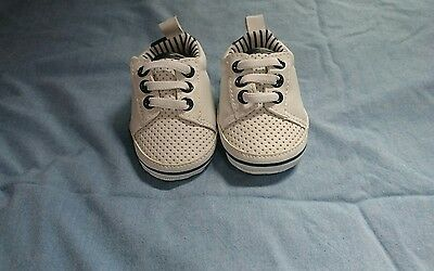 Newborn shoes trainers size 0 white