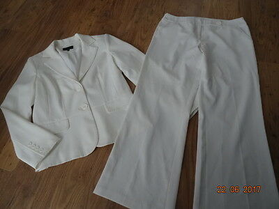 WOMEN'S WHITE TROUSER SUIT - TROUSERS AND BLAZER JACKET size 12 IN VGC