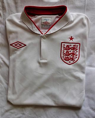 Men's England Football Shirt, Size Small