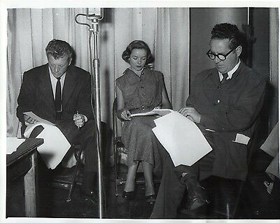 46571. Orig ca 1945 CBS Radio Journalist & Show Host Kenny Delmar with Actors