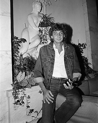"Barry Manilow 10"" x 8"" Photograph no 91"
