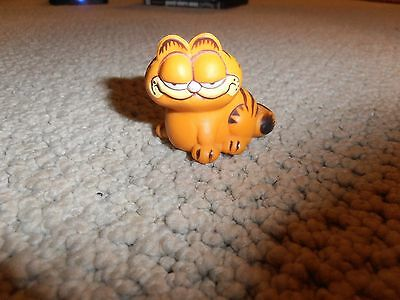 Vintage Garfield Toy Figure Figurine 1981     2 Inches Tall