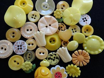 GORGEOUS YUMMY YELLOW VINTAGE & NEW BUTTONS Flowers & Fun