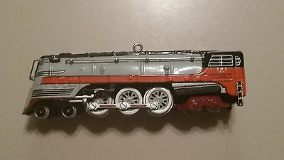 2004 Hallmark Locomotive Ornament - Hiawatha - Lionel Train