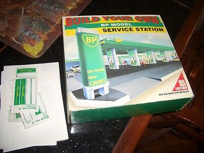 Build your Own BP Gas Service Station Car Wash Toy Model Kit Set 1995 NIB