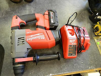 "Milwaukee 2715-20 M18 Fuel 1-1/8"" SDS Plus Rotary Hammer 1 Battery, and  Charger"
