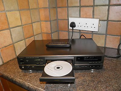 Technics SL-PG590 CD Player With Remote Control