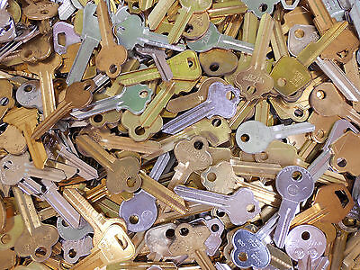 Large Lot of Misc Key Blanks  4+ lbs  HOUSE COMMERCIAL CAR  NEW OLD UN-CUT