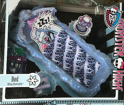 £35 New in Box Mattel Y0403 Monster High - Abbey's Ice Bed Play set & £4 P