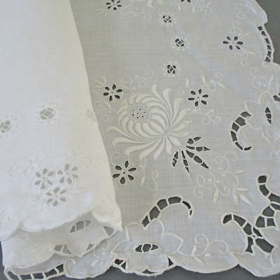 17Pc Set Vintage MADEIRA Linen Hand Embroidered Placemats Napkins Runner FLOWERS